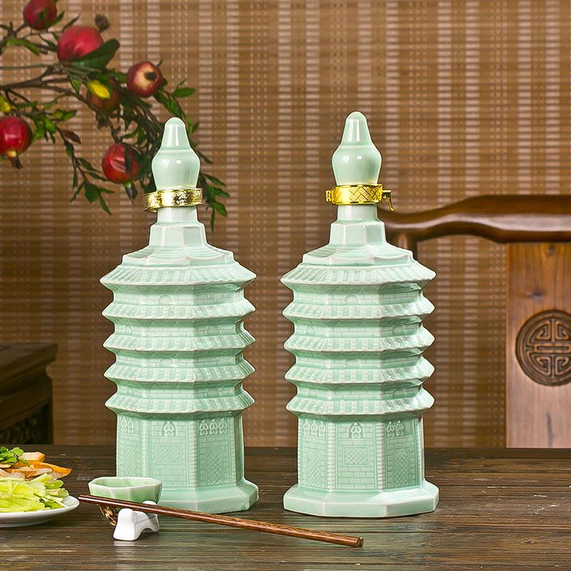 2斤绿釉宝塔创意贝博官方网址空酒罐白酒空贝博手机版带盒套装